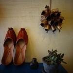 インドの鉄ベルとらくだ革の靴