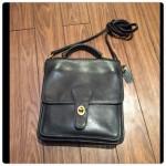 vintage coach bag:人気のモデル。 肉厚なレザーで高級感あり。 金具も味がでてます。