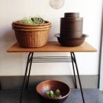 籠や銅の洗面器など古道具たち