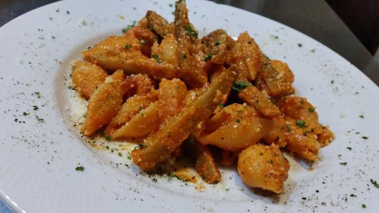 バルダーナロッソ(ゴボウとベーコンのトマトソース